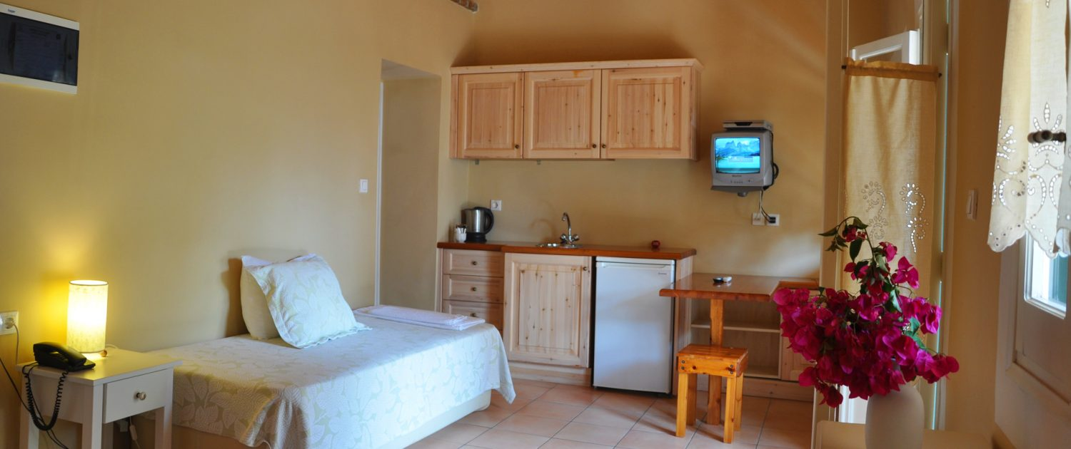 Triple Room Zefiros Hotel
